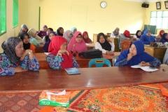 rapat guru madrasah4